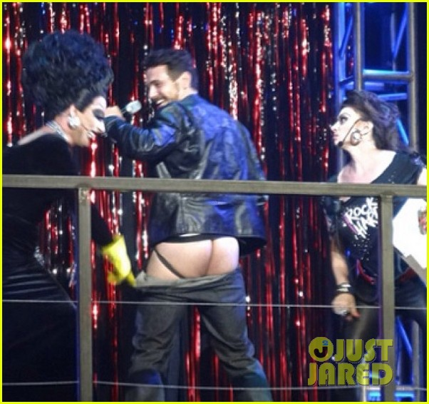 james franco displays bare butt on stage 02