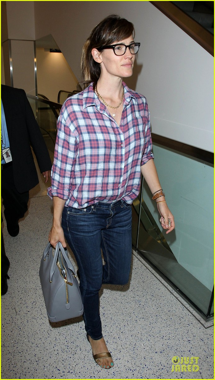 jennifer garner grinning after celebrating wedding anniversary 113147109