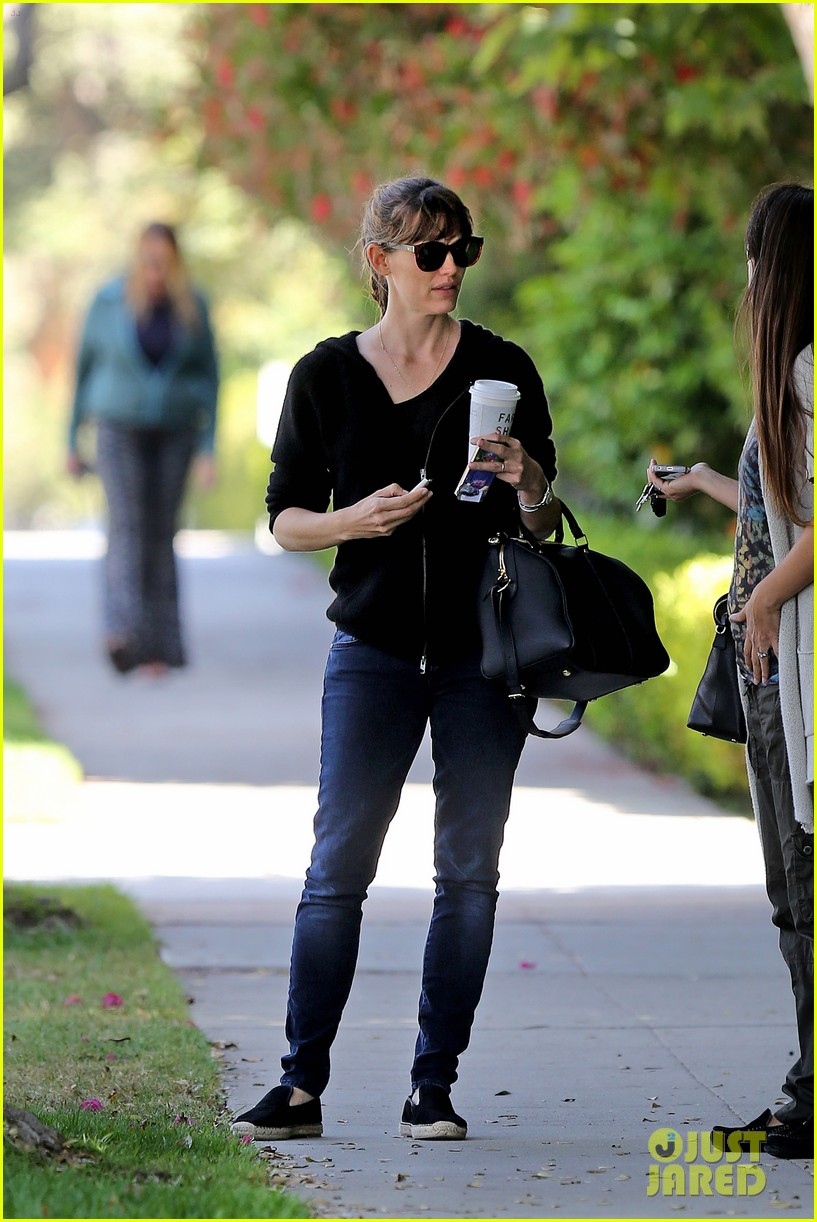 jennifer garner theres a haze of denial about sunscreen 053127935