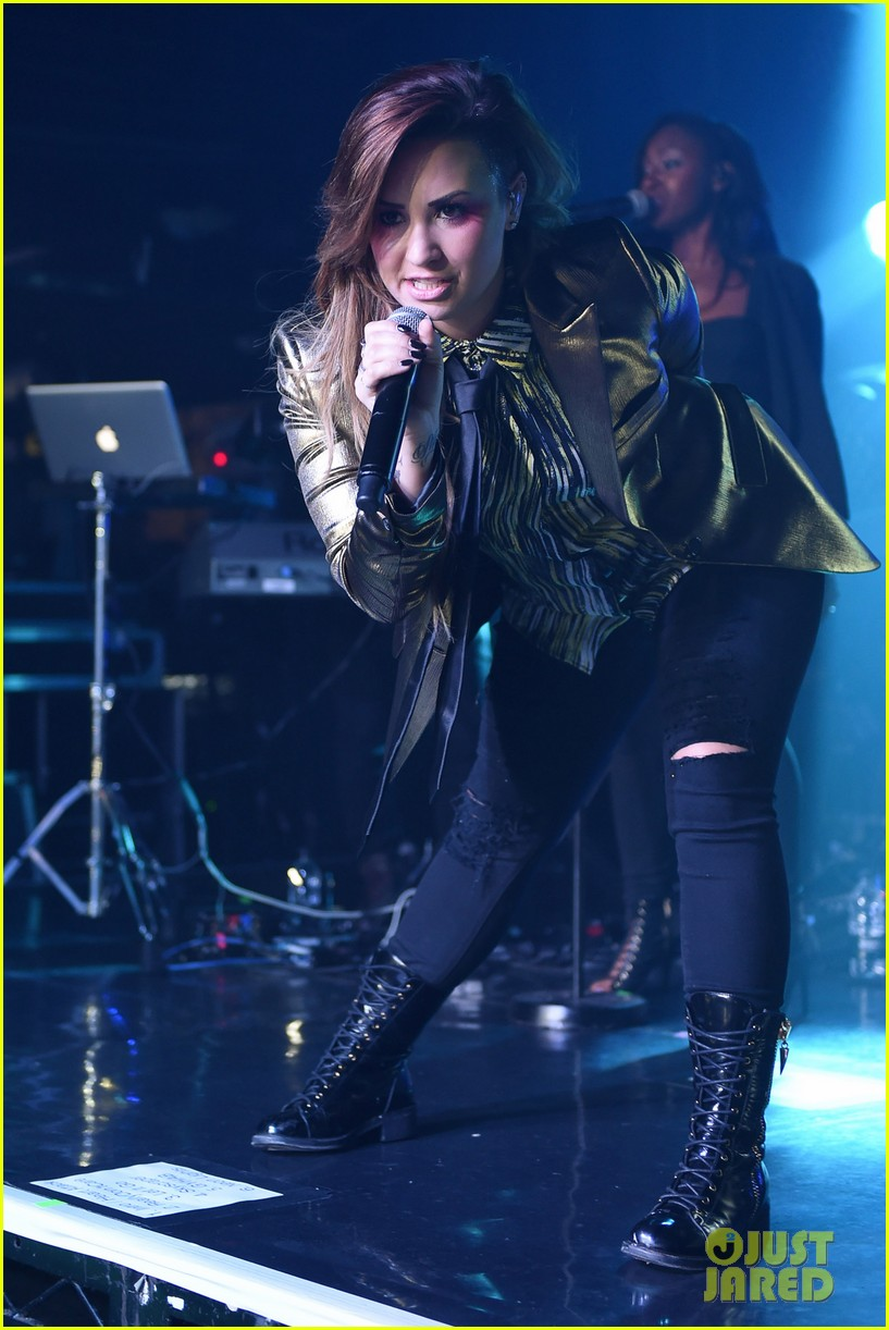 demi lovato london gay performance 223125977