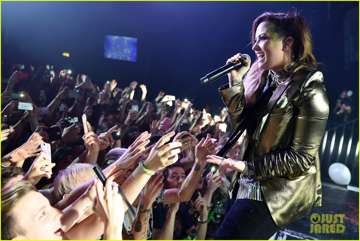 demi lovato london gay performance 243125979