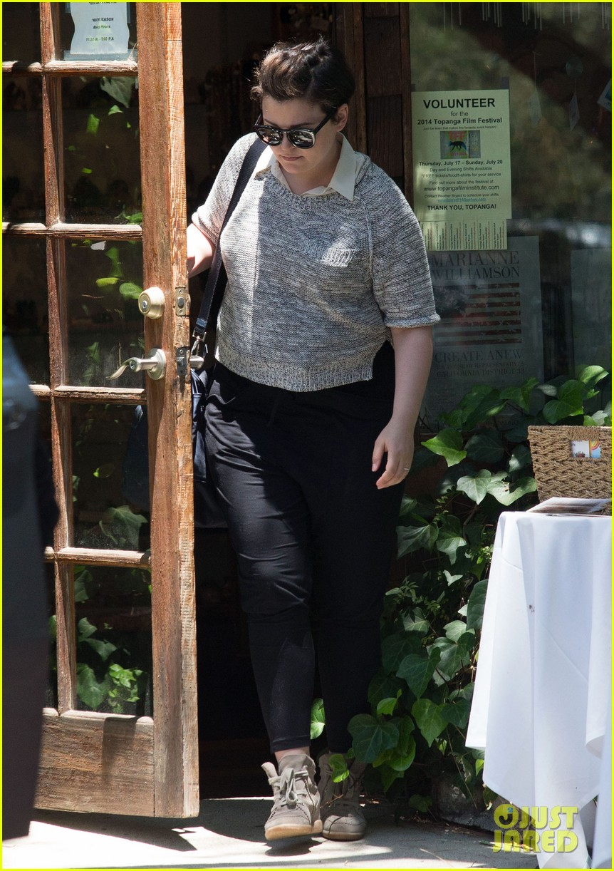 ginnifer goodwin steps out for first time since giving birth 103146864