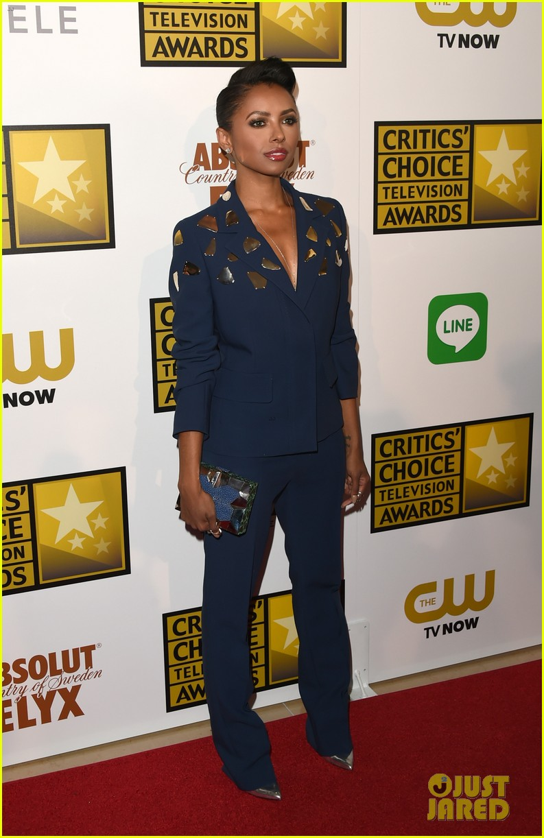kat graham gina rodriguez critics choice tv awards 2014 09