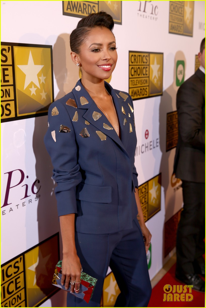 kat graham gina rodriguez critics choice tv awards 2014 10