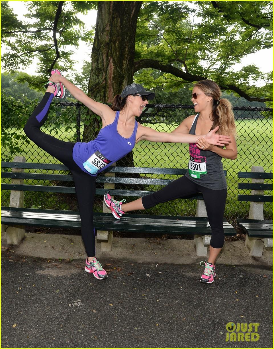 ashley greene oakley new york 10k race 18