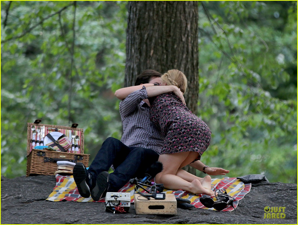 bill hader amy schumer kissing in central park 033145165