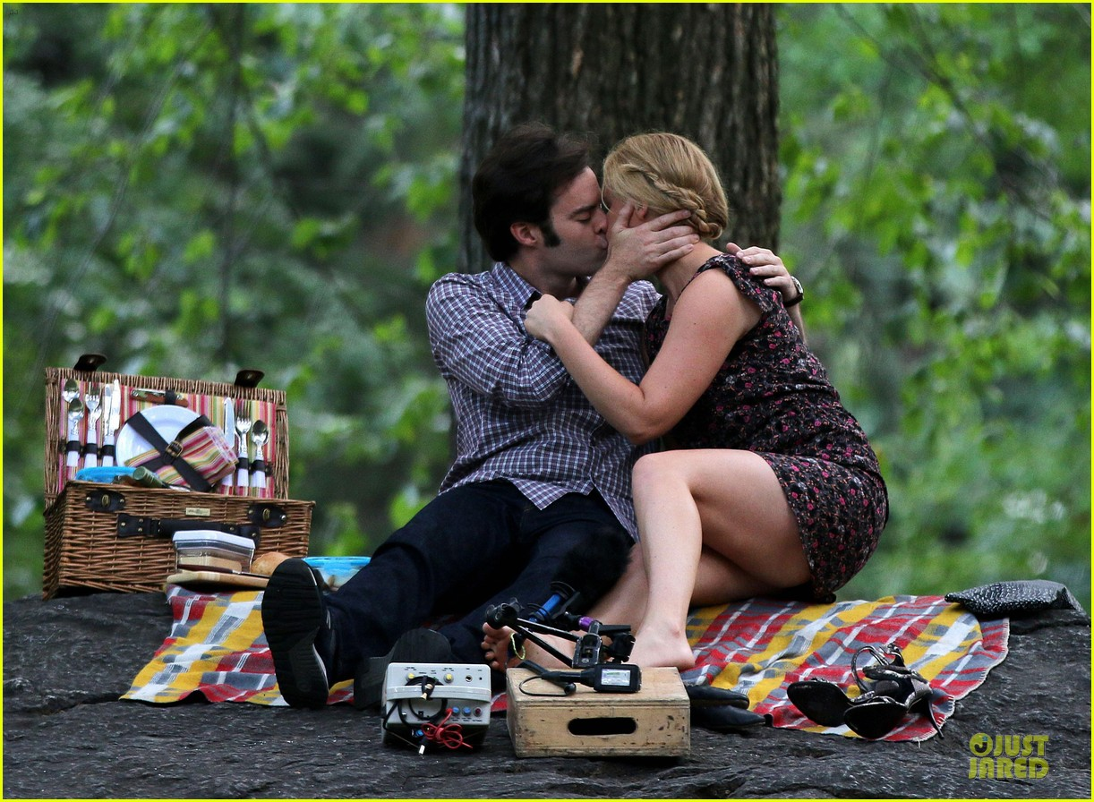 bill hader amy schumer kissing in central park 05