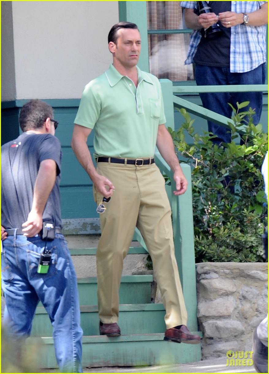 jon hamm showcases vocals at baseball game 093137030