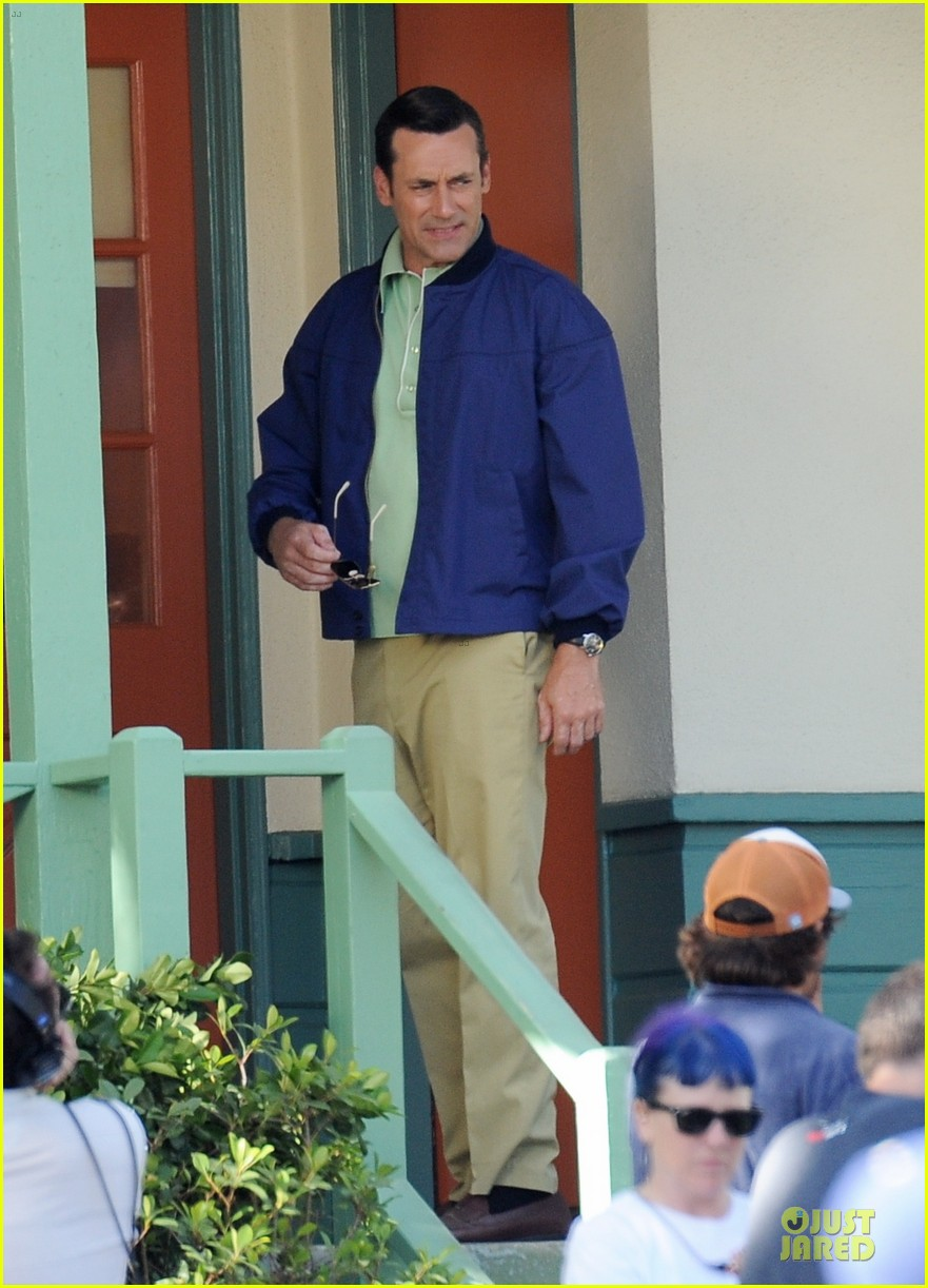 jon hamm showcases vocals at baseball game 163137037
