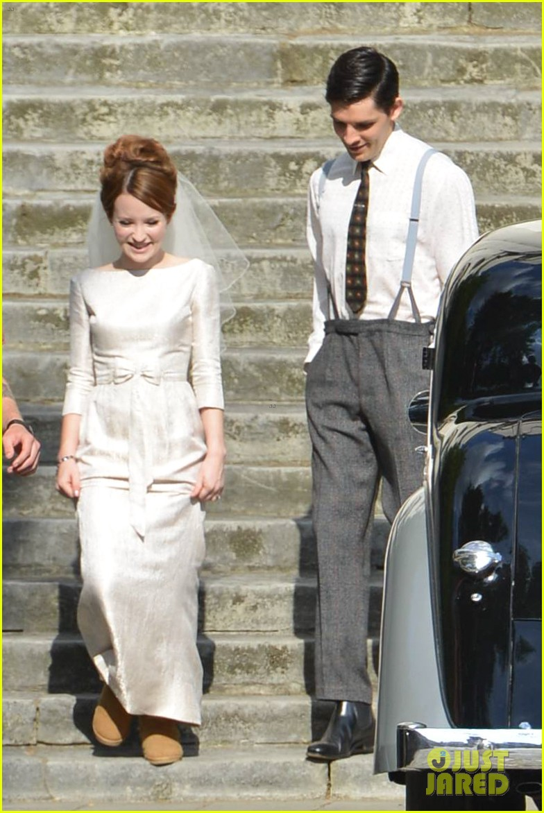tom hardy emily browning get married for legend 173135300