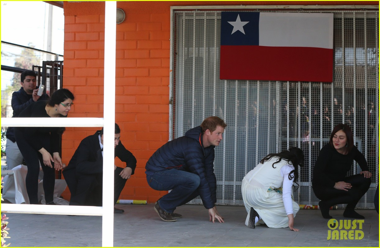 prince harry busts a move children chile visit 123146210