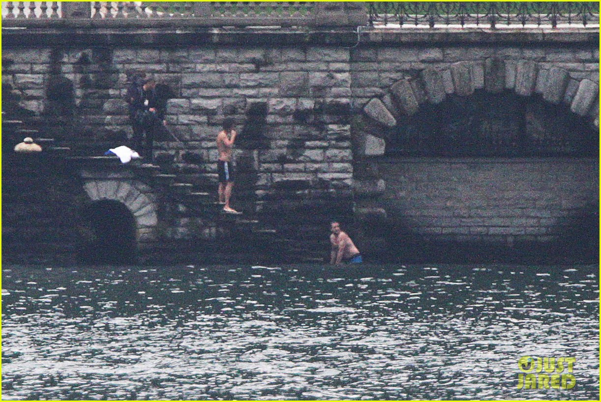 harry styles jumps into lake como 11