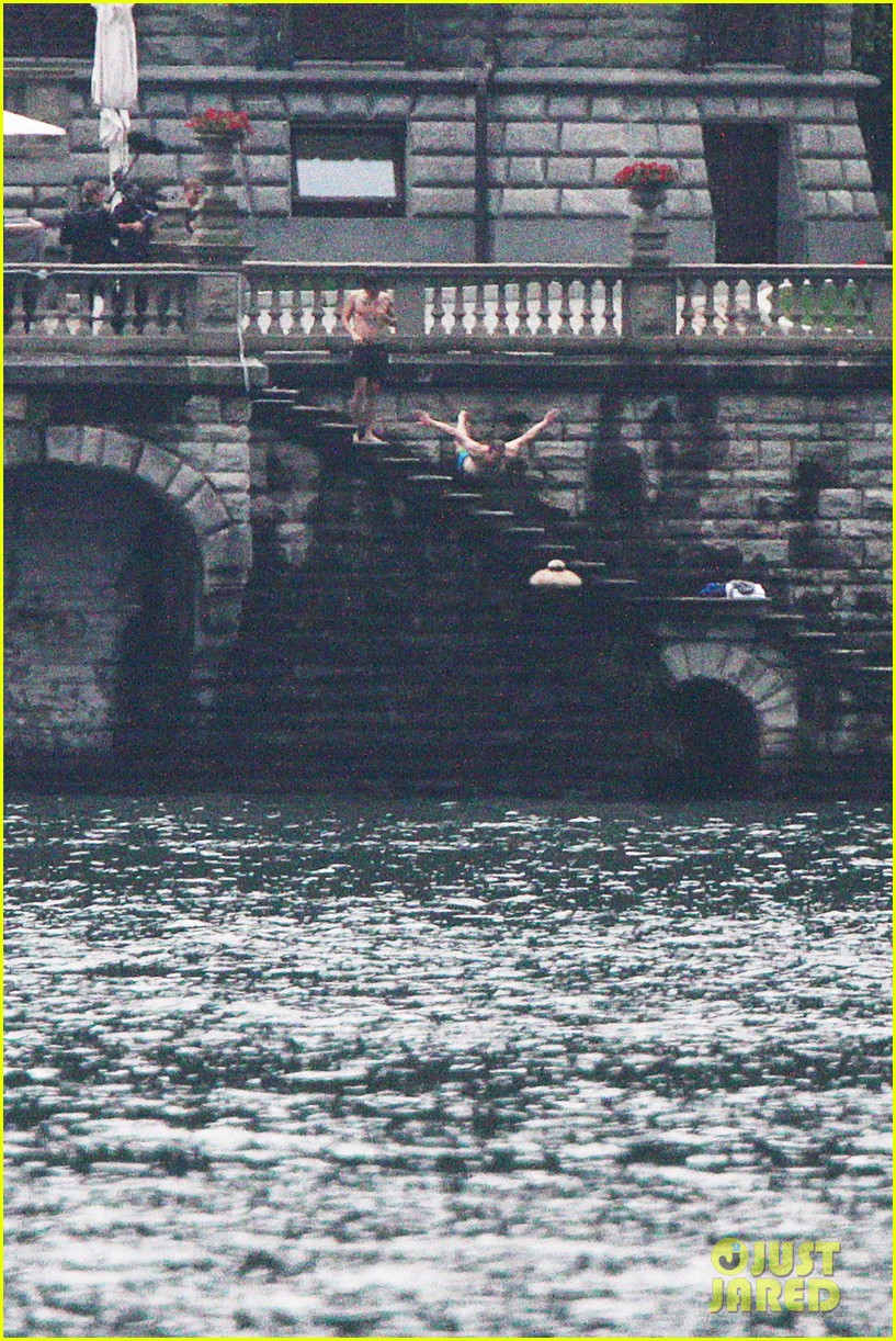 harry styles jumps into lake como 12
