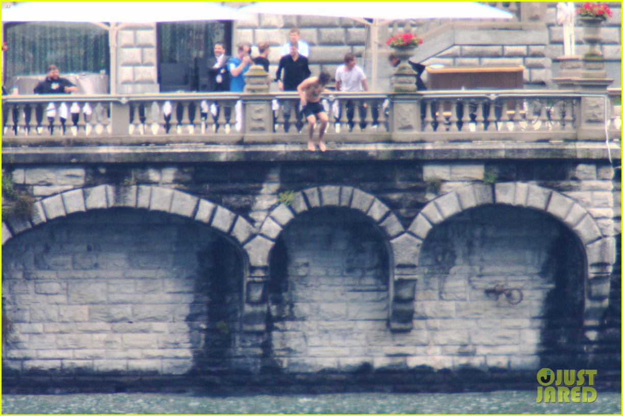harry styles jumps into lake como 18