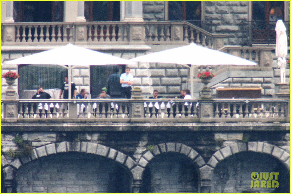 harry styles jumps into lake como 26