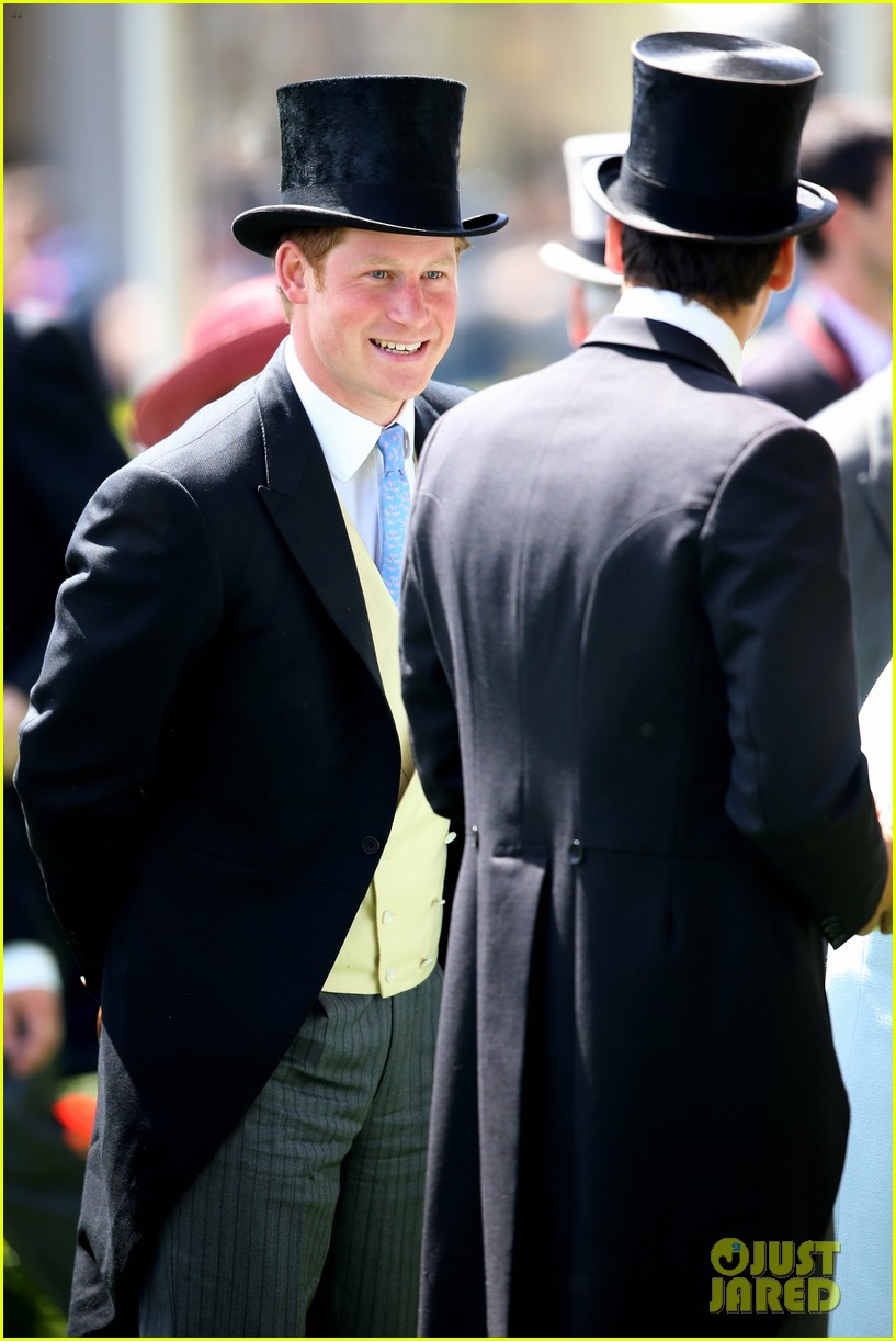 prince harry looks top notch top hat 183137216