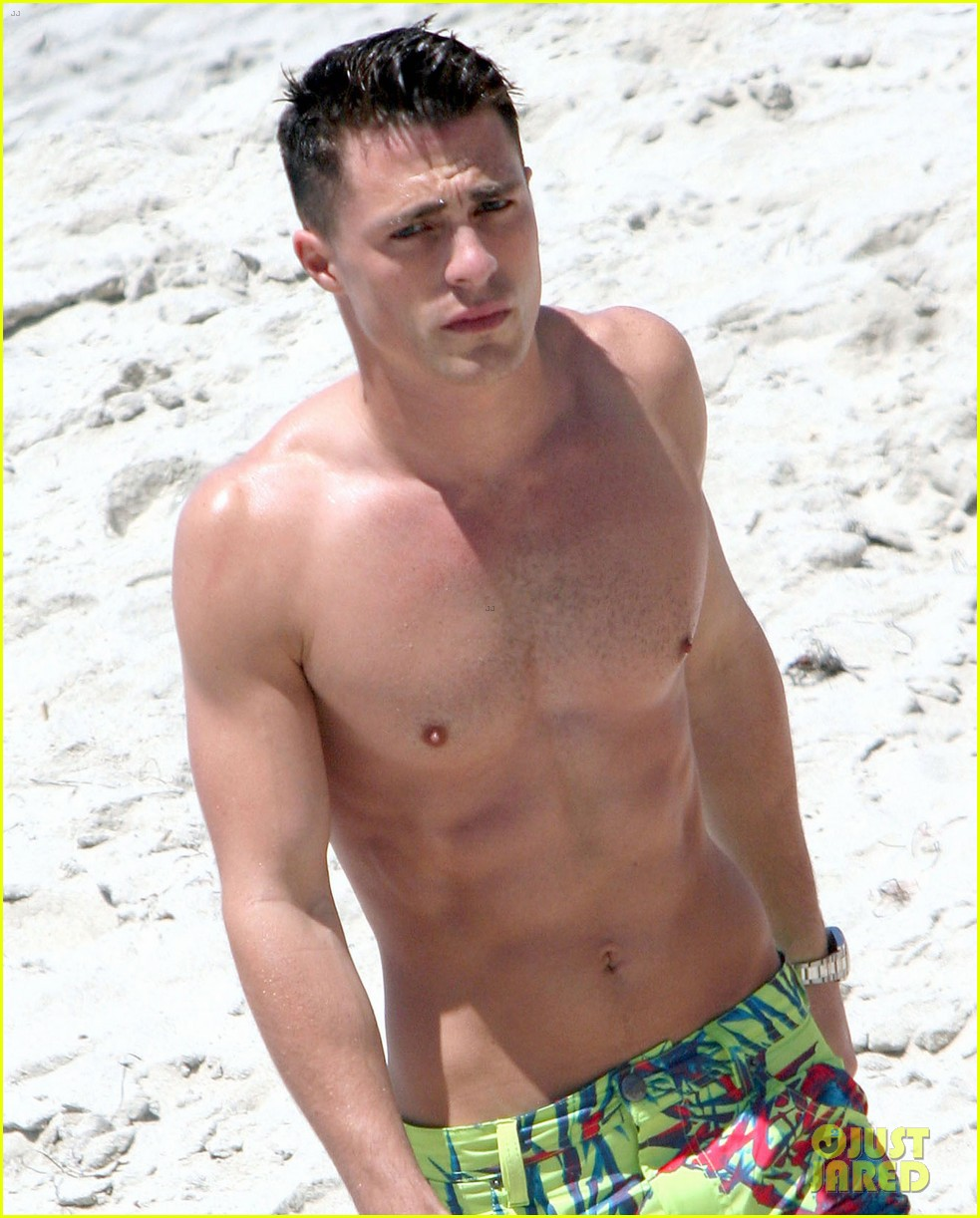 colton haynes shirtless beach 053141760