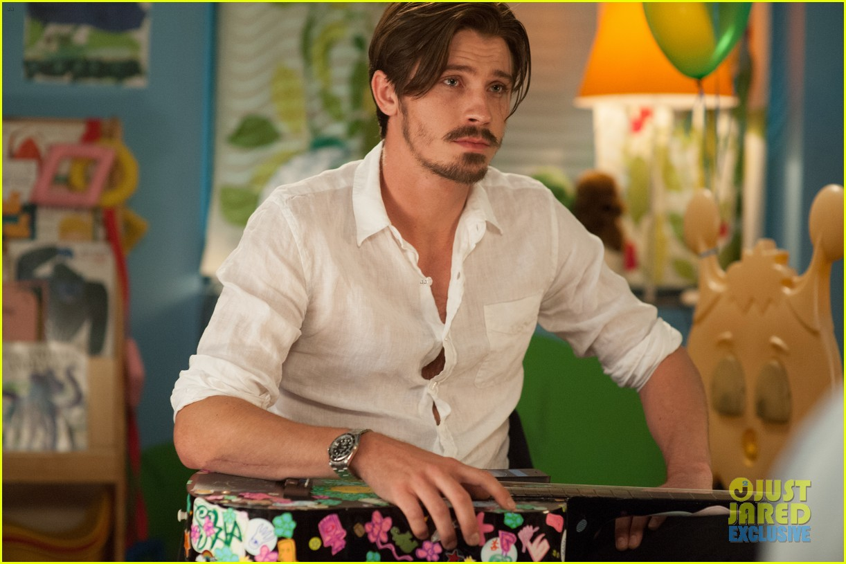 garrett hedlund lullaby stills exclusive 013133755
