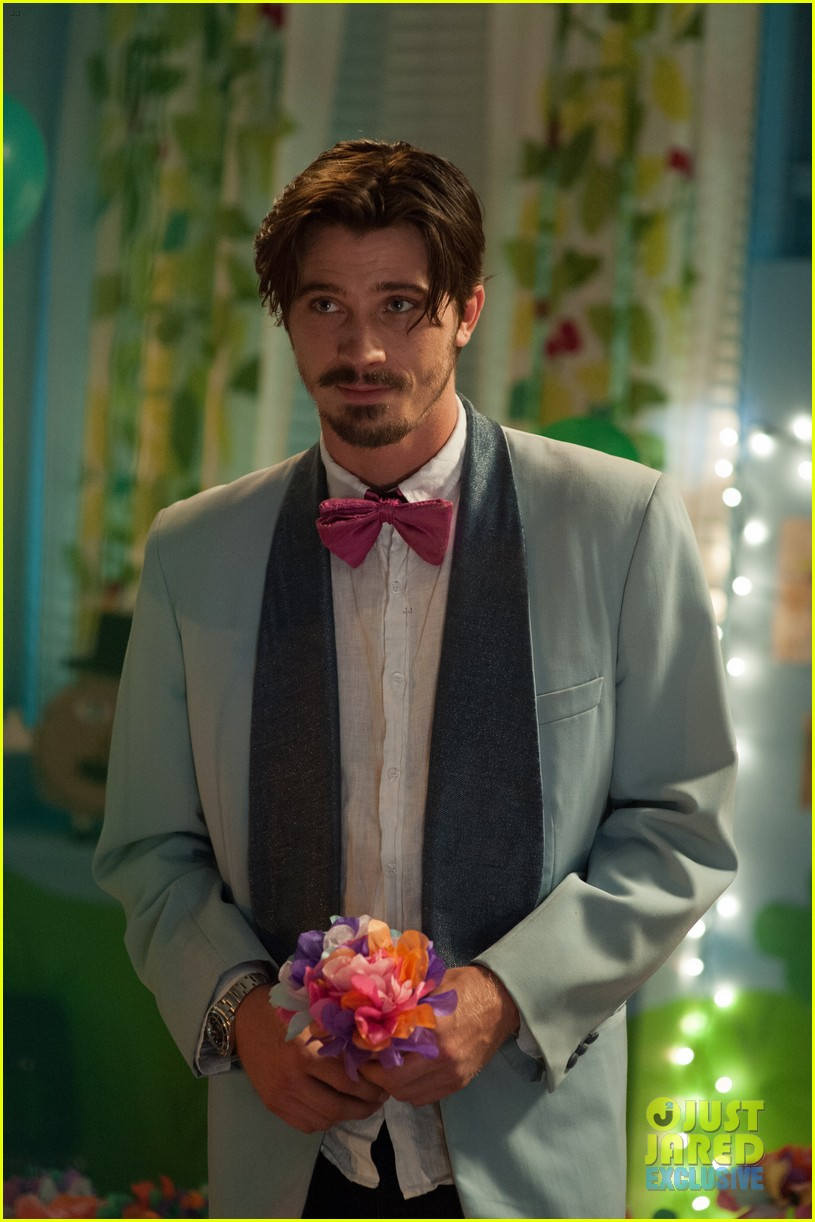 garrett hedlund lullaby stills exclusive 033133757