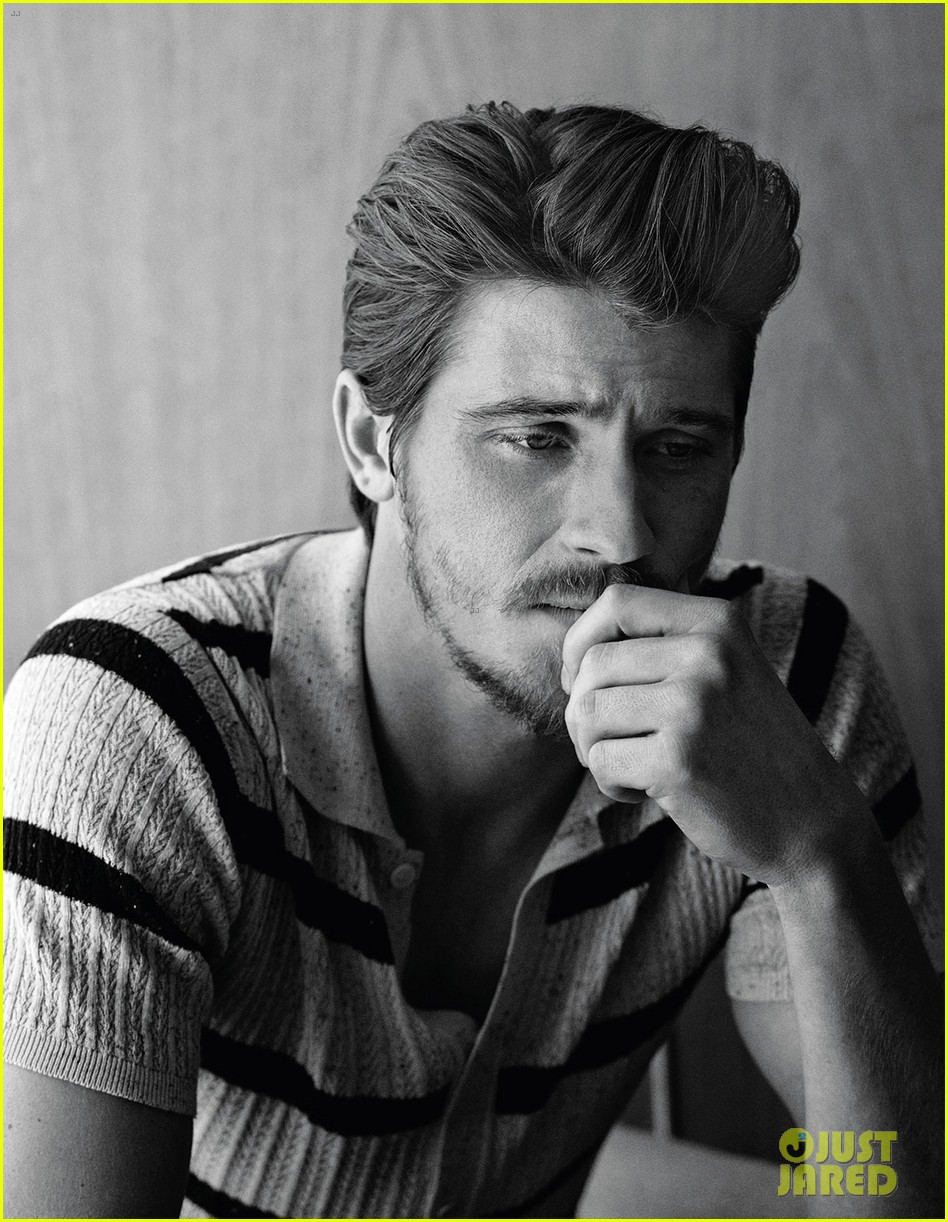 garrett hedlund man of the world 02
