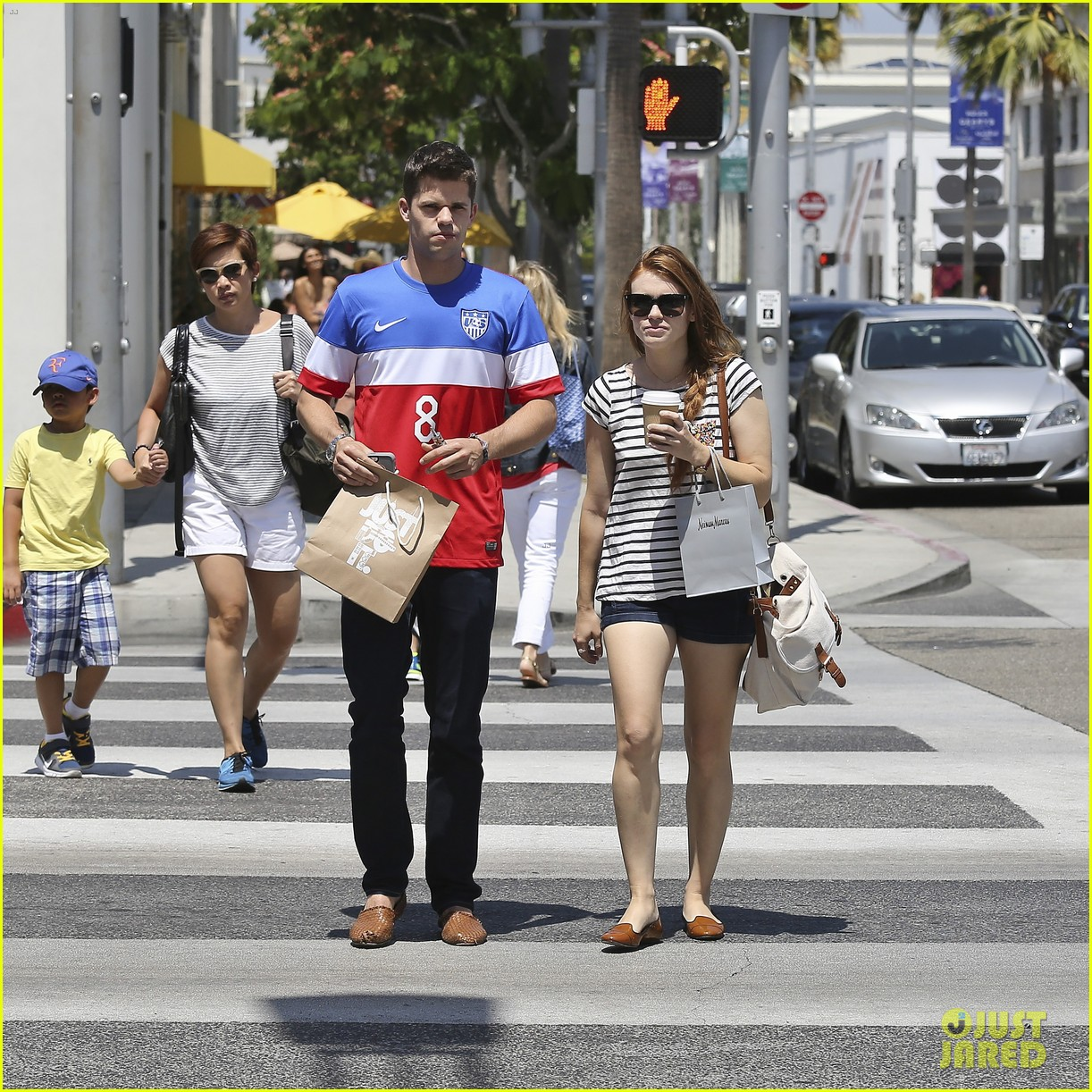 holland roden max carver shopping coffee 01