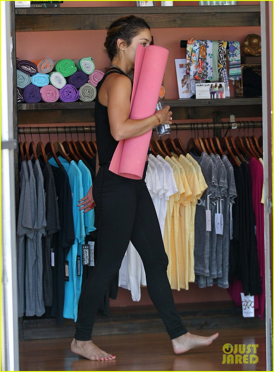 vanessa hudgens covers face after yoga always 103146177