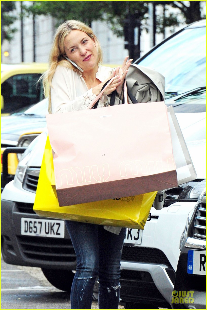kate hudson matt bellamy shop til they drop 113125728