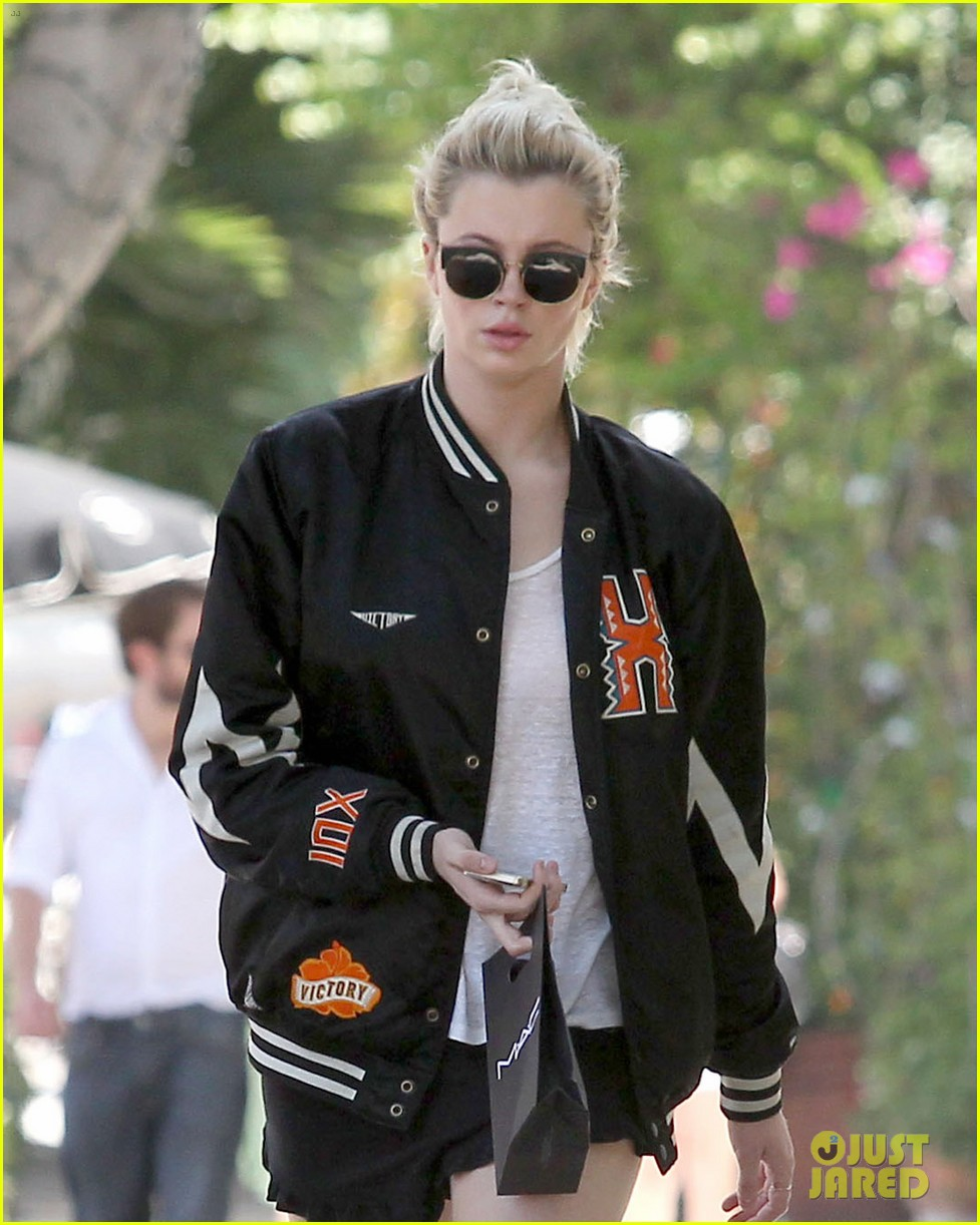 ireland baldwin cup of noodles bagels diet 193136939