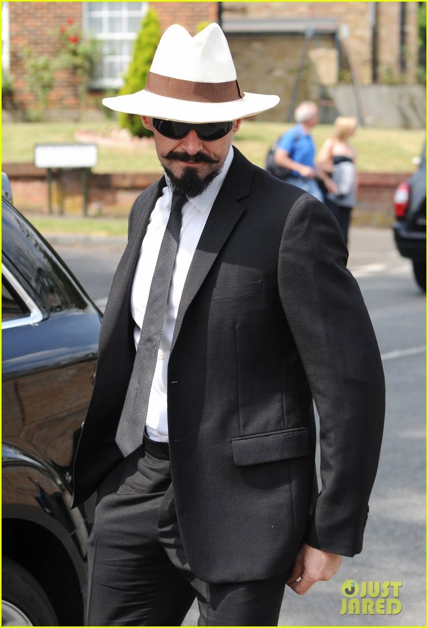 hugh jackman watches wimbledon match 063142577