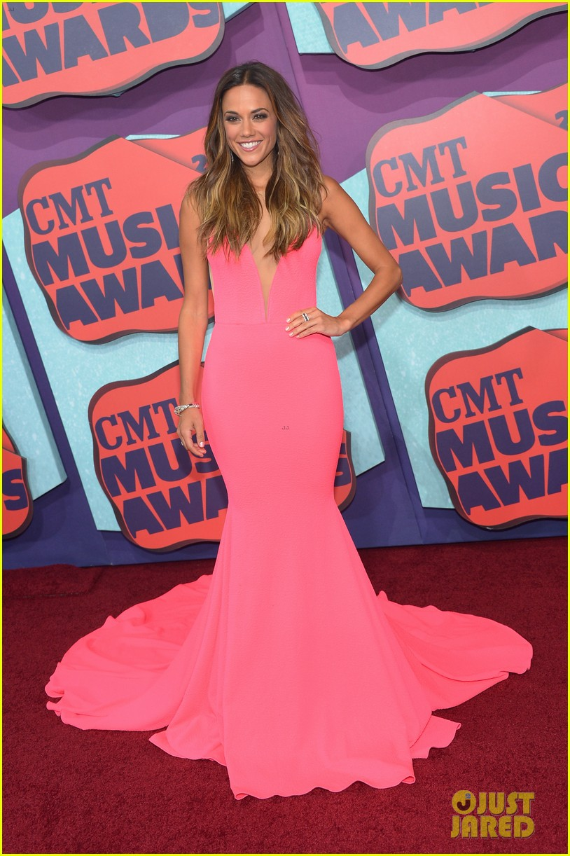 jana kramer cmt music awards lindsey stirling 03
