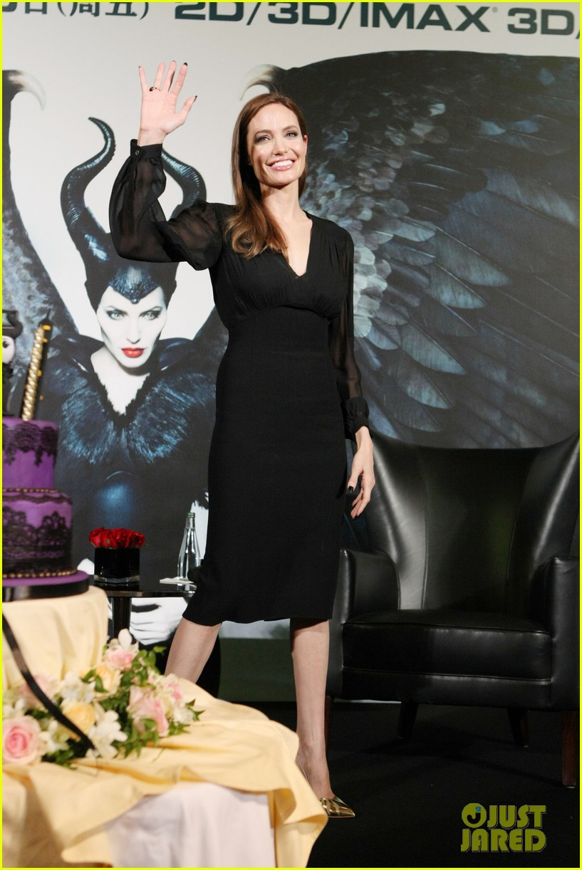 angelina jolie brings maleficent to china 31