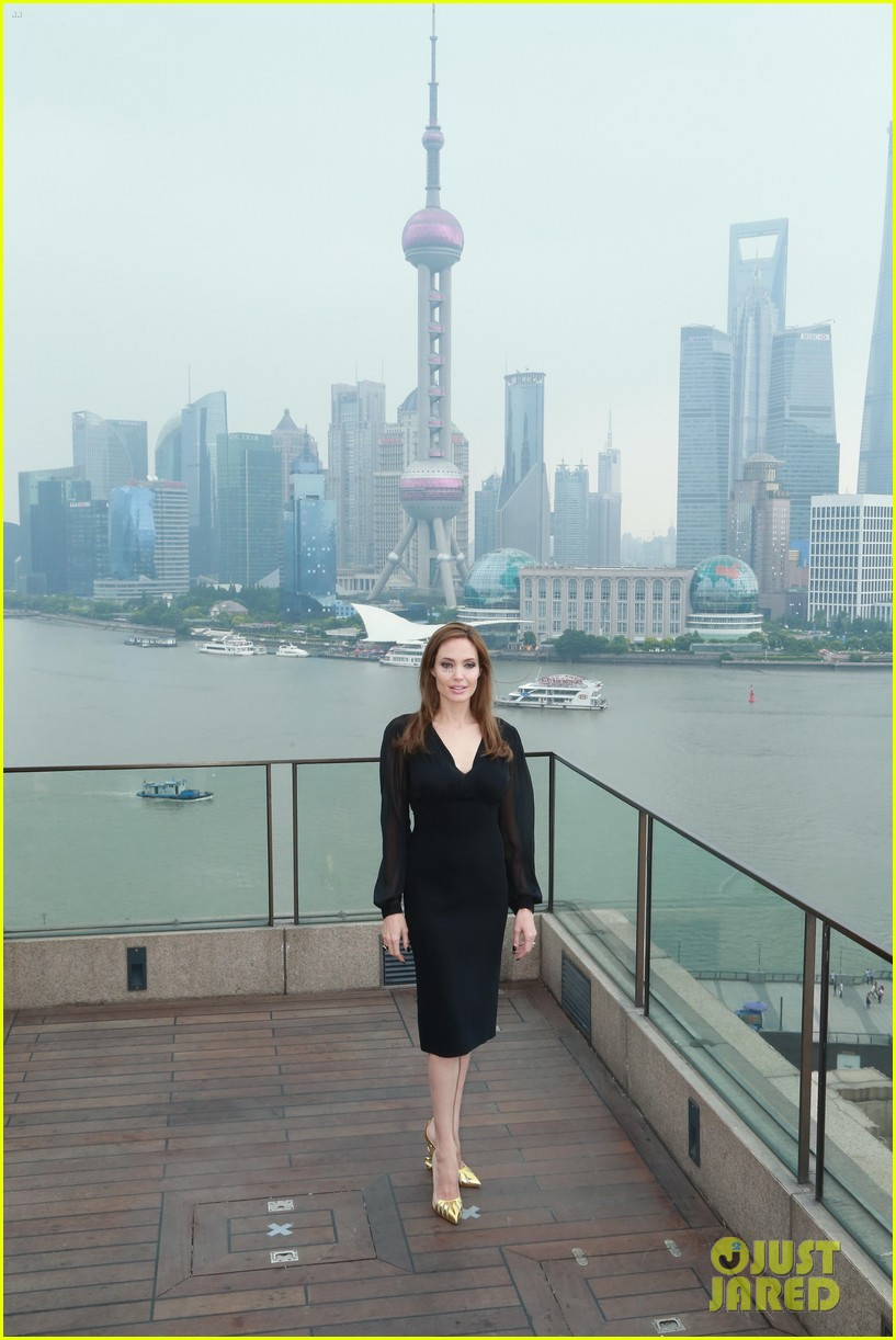 angelina jolie brings maleficent to china 43