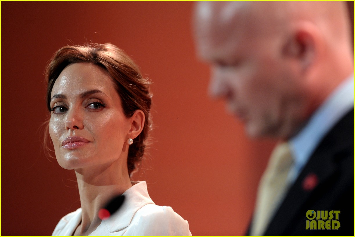 angelina jolie calls for an end to sexual violence 15