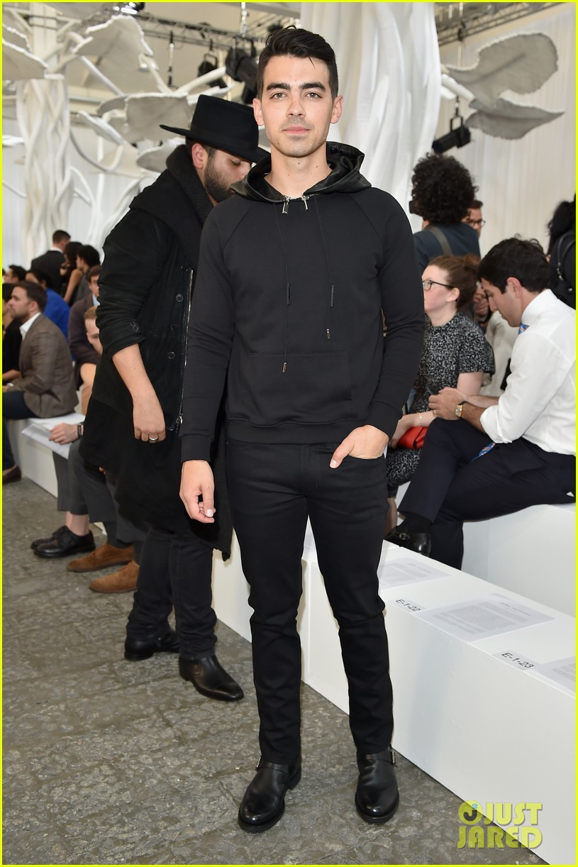 joe jonas milan fashion week 01
