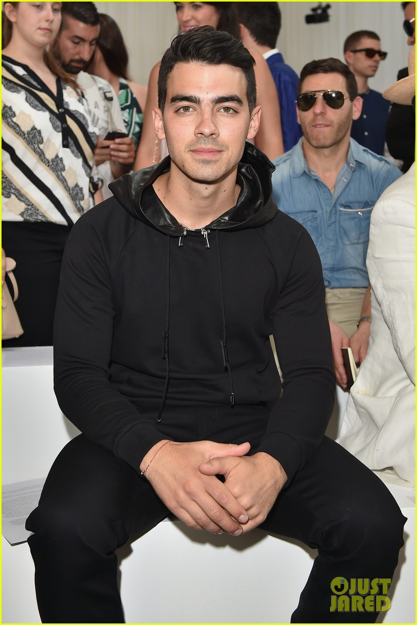 joe jonas milan fashion week 023140676