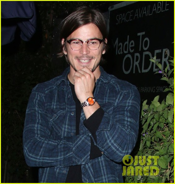 josh hartnett learned walk nyc without notice 023126010