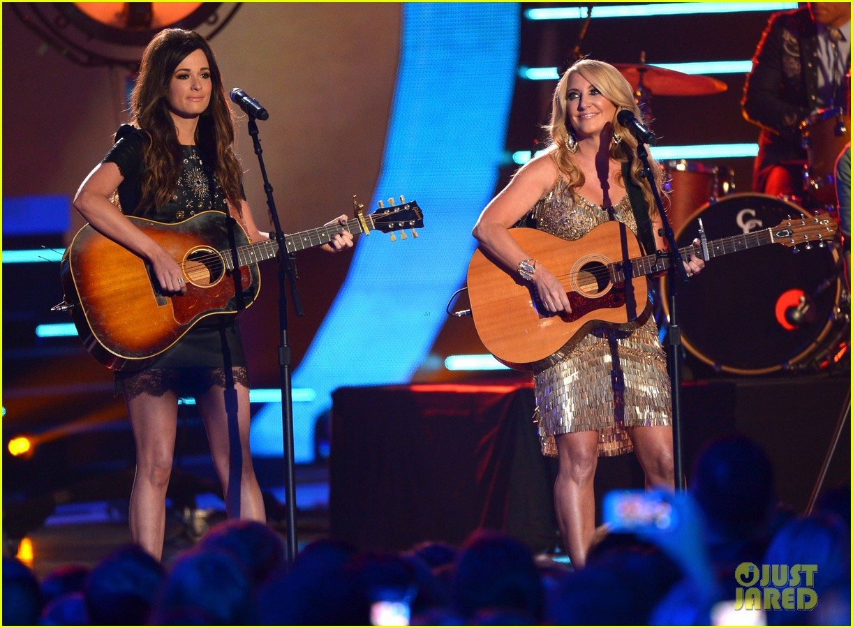 kacey musgraves livin on love cmt awards 2014 01