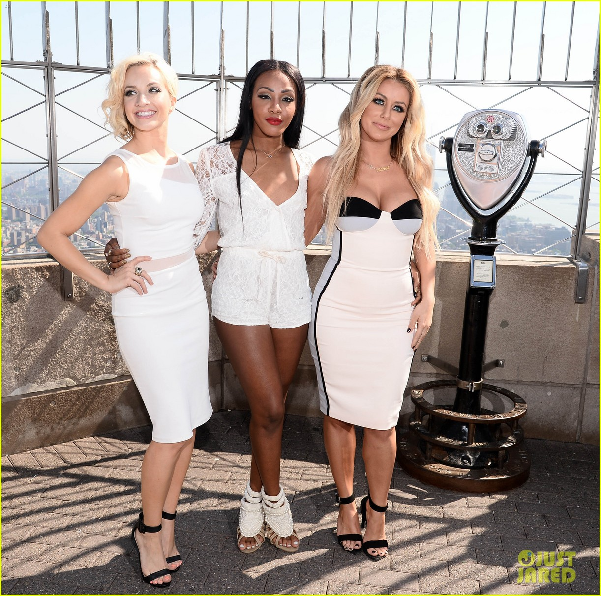 danity kane celebrate lemonade release at empire state building 043127293