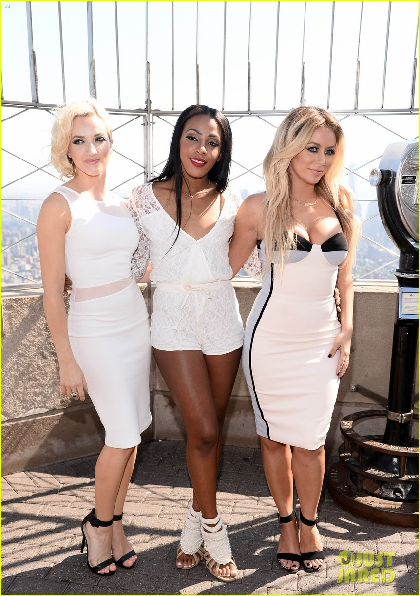 danity kane celebrate lemonade release at empire state building 063127295