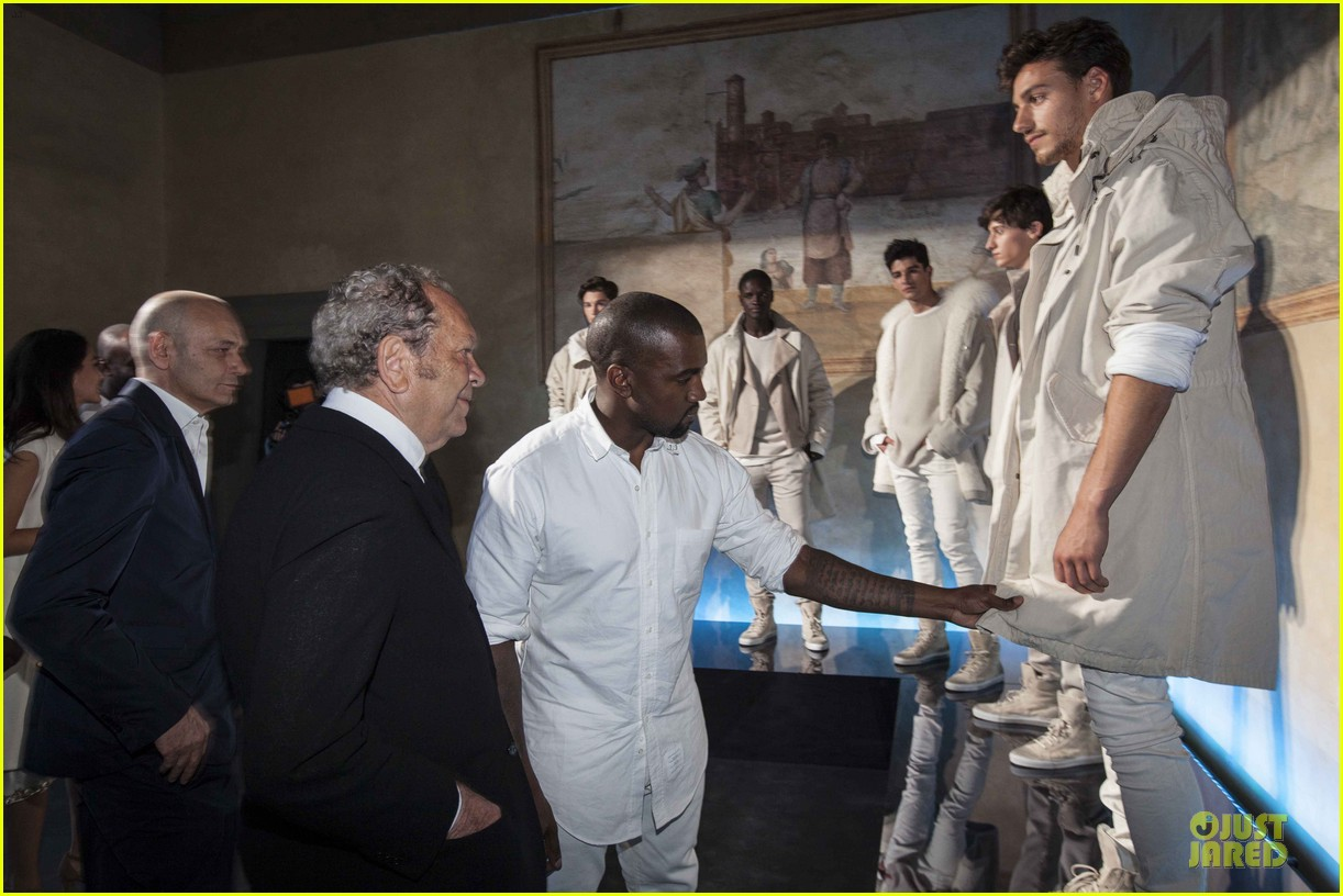 kanye west annie leibovitz release joint statement on wedding photos 063139169