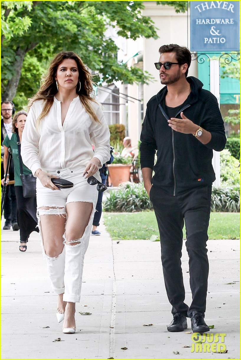 khloe kardashian scott disick continue to bond without kourtney 143134176