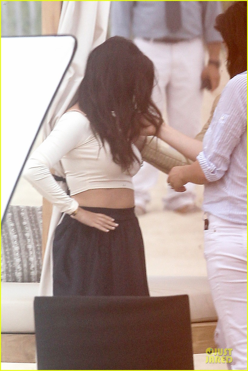kim kardashian shops for north kourtney beach photoshoot 04