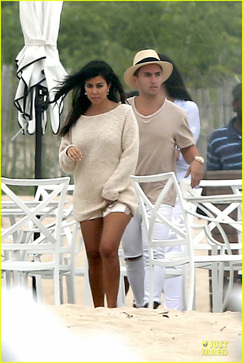 kim kardashian shops for north kourtney beach photoshoot 053137638