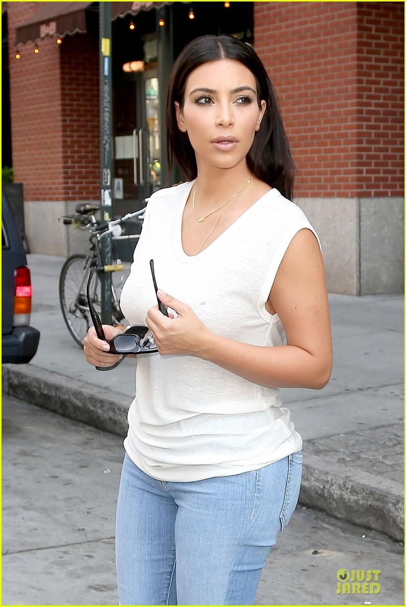 Kim Kardashian Shops For North Kourtney Beach Photoshoot 19