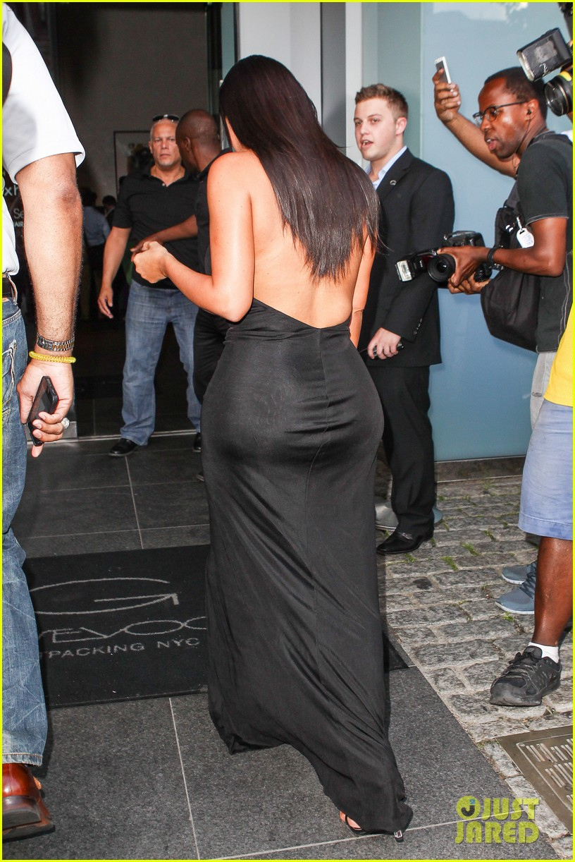 kim kardashian shows off legs for days sexy slit dress 05