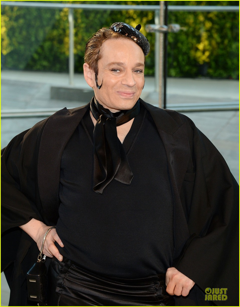 chris kattan channels mango at cfda awards 2014 04