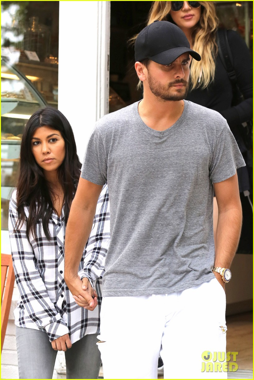 kourtney khloe kardashian double date with their men 02