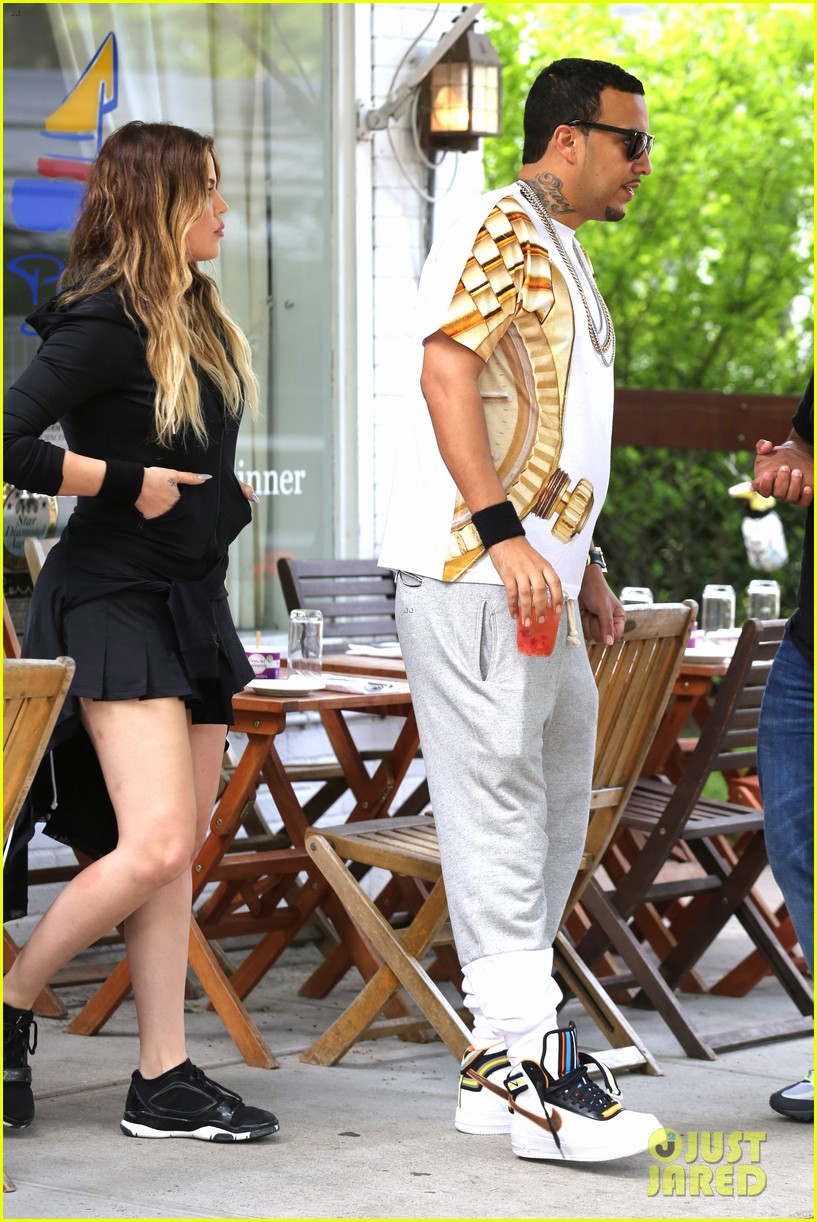 kourtney khloe kardashian double date with their men 07