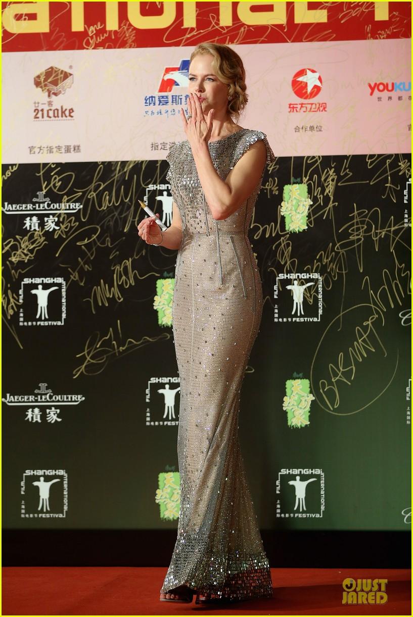 nicole kidman shimmers shanghai film fetival opening 053135359