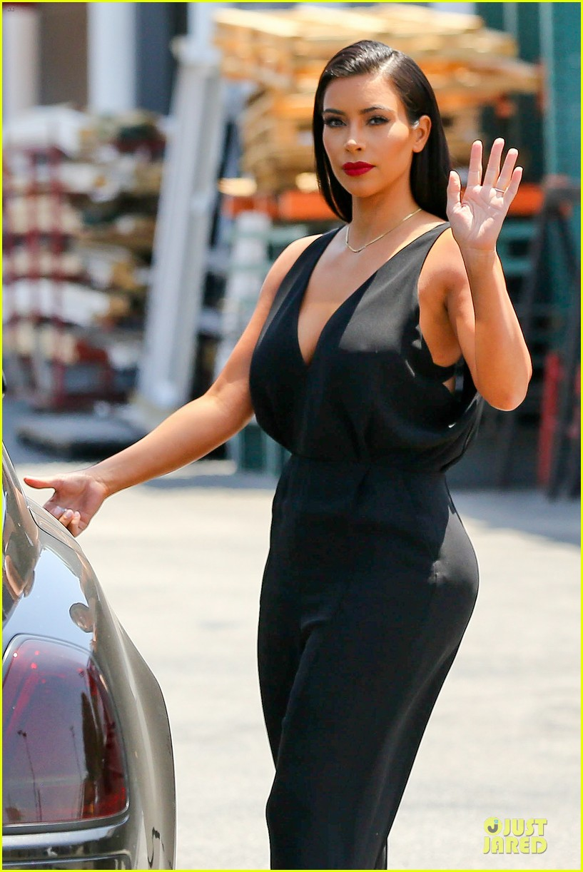 kim khloe kardashian looking for dash store interns 143142635